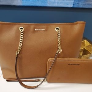 Michael Kors Jet Set Travel Tote with Wallet